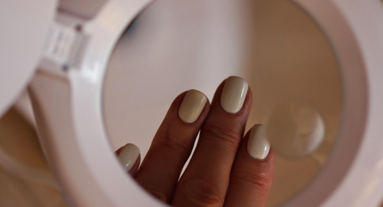 убрать белые пятна на ногтях