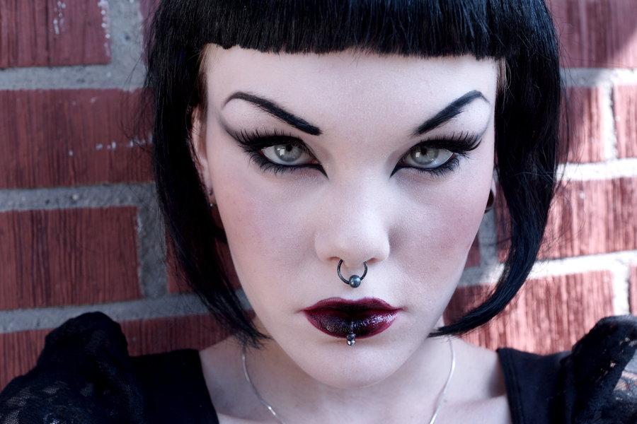сделать макияж вампира на хэллоуин