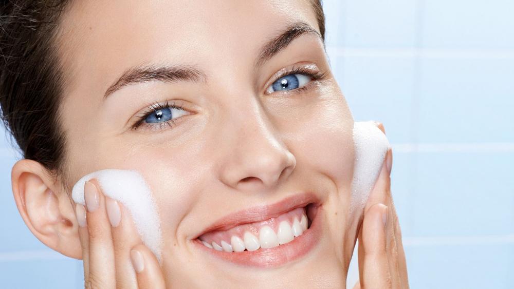угревая сыпь на лице у взрослого лечение