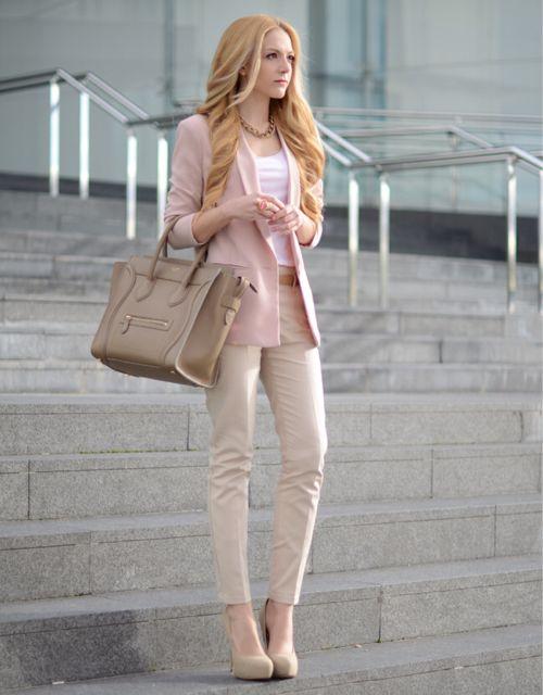 С чем носить бежевые брюки? 56 фото: женские стильные образы, с чем ...