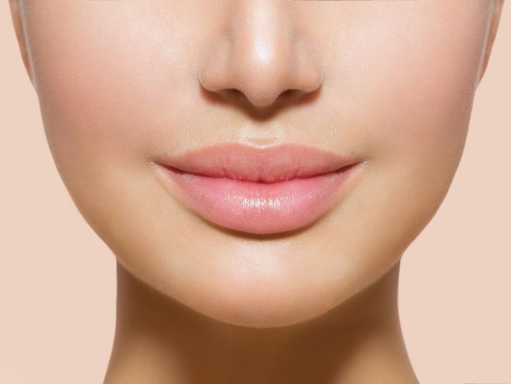 Пухлые губы без силикона и гиалуронки. Показываем, как накачать ...