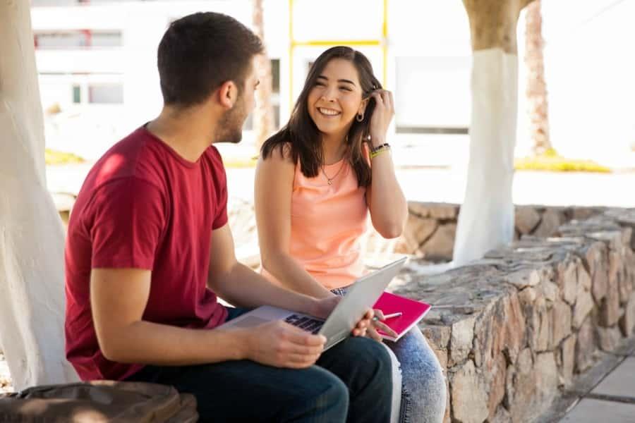как поддержать разговор с парнем