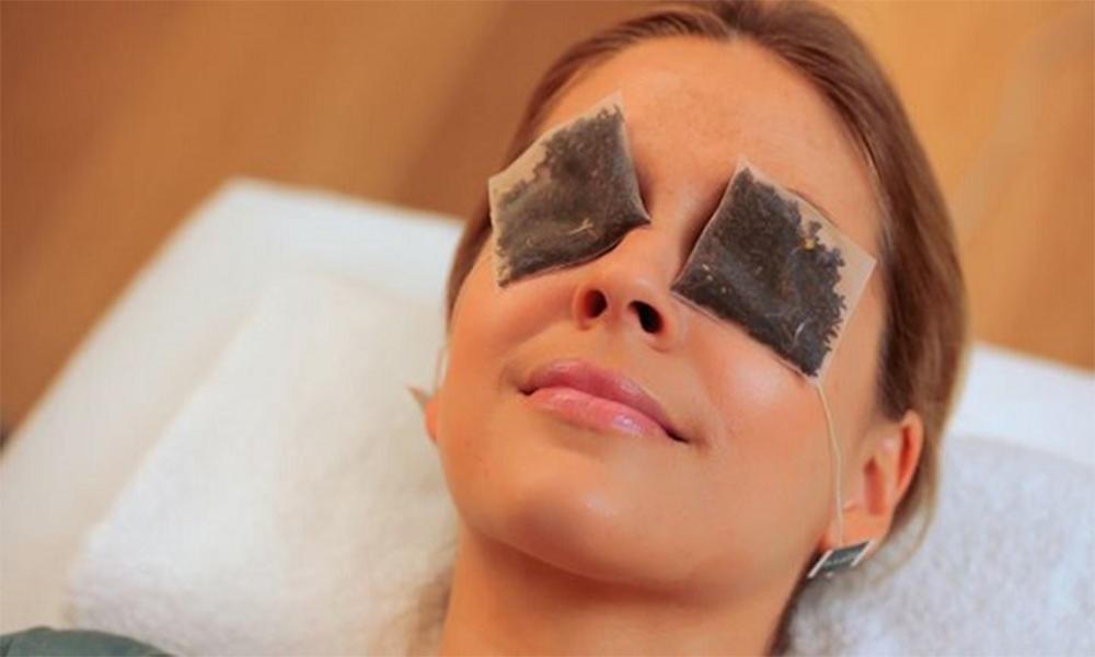 Чайные пакетики для глаз: как использовать и есть ли польза?
