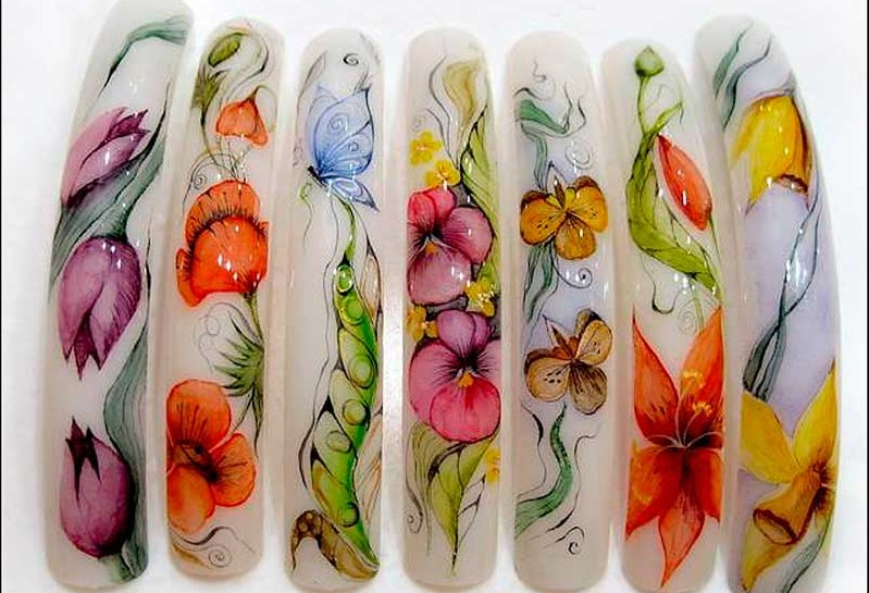 Акварельная роспись ногтей