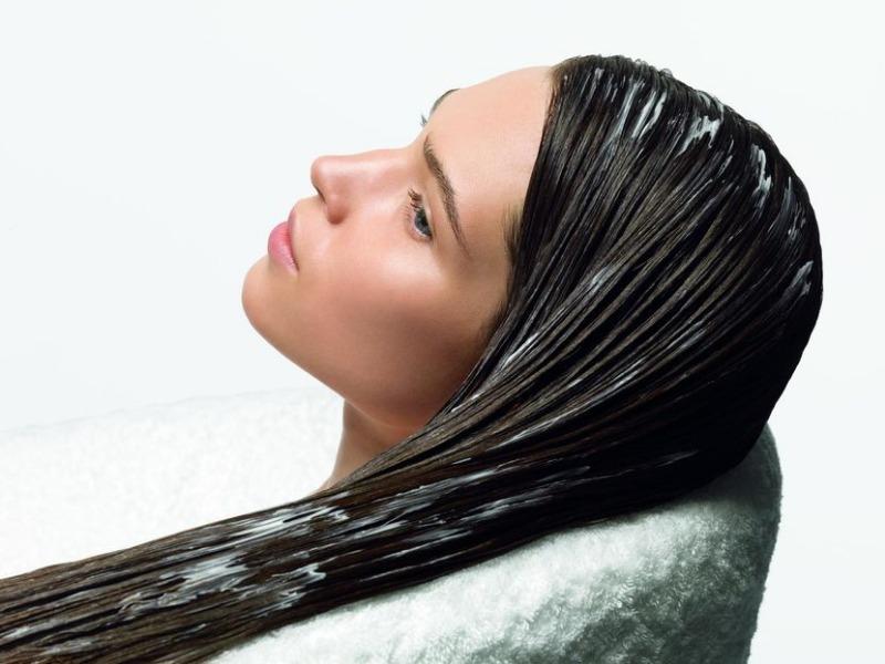 Голубая глина волос