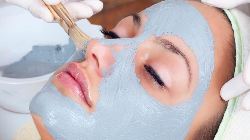 Голубая глина для лица и волос: свойства и применение, рецепты, отзывы
