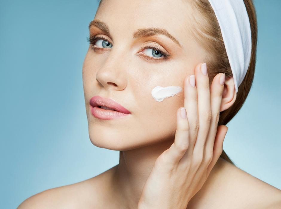 Увлажняющий крем: вред или польза? | Практика на www.elle.ru