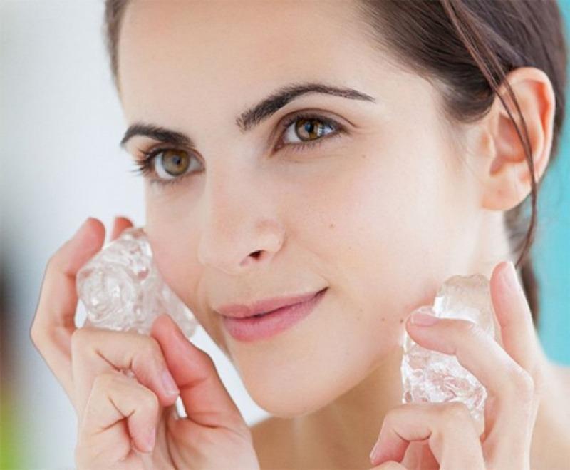 Лед для лица: как правильно протирать кожу, пртивопоказания, рецепты ...