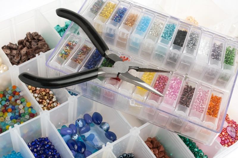 Инструменты и материалы для бисероплетения |