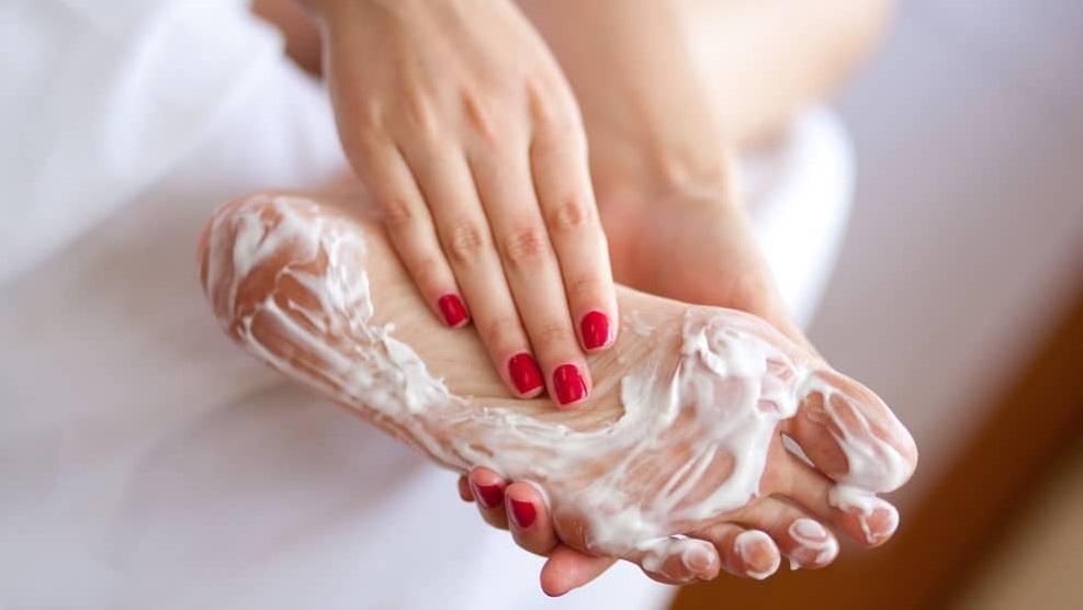 Как убрать натоптыши: фото, причины и способы лечения