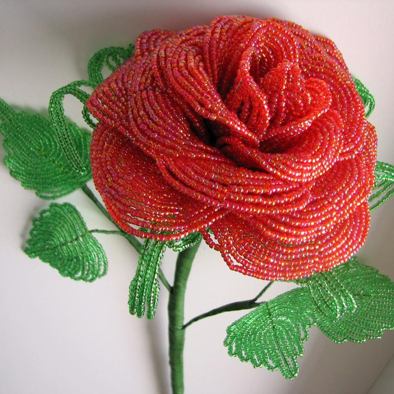 как сделать розу из бисера (главный ключ)