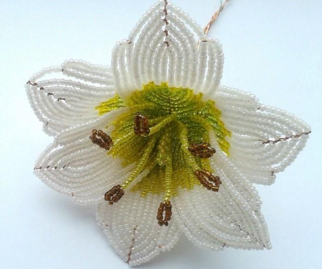 лилия из бисера схема плетения