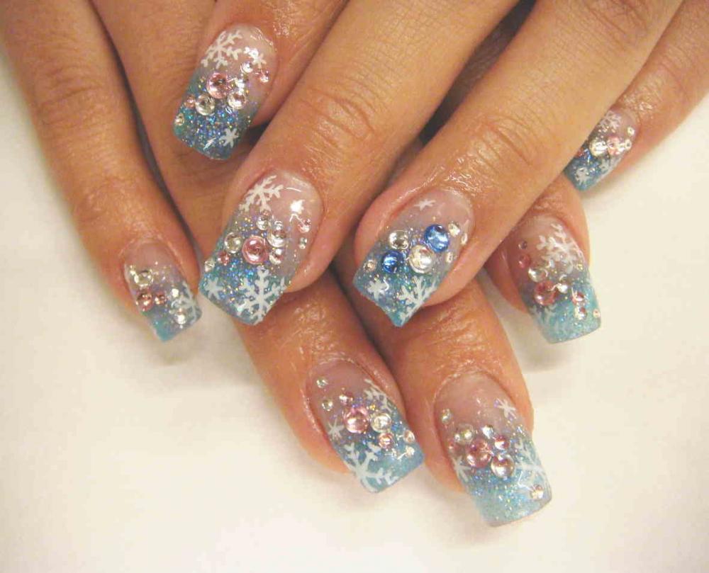нарисовать снежинку на ногтях