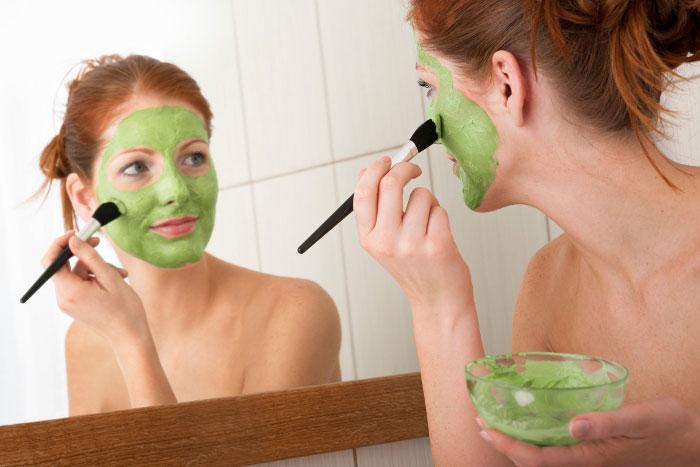 В чем польза зелени для лица