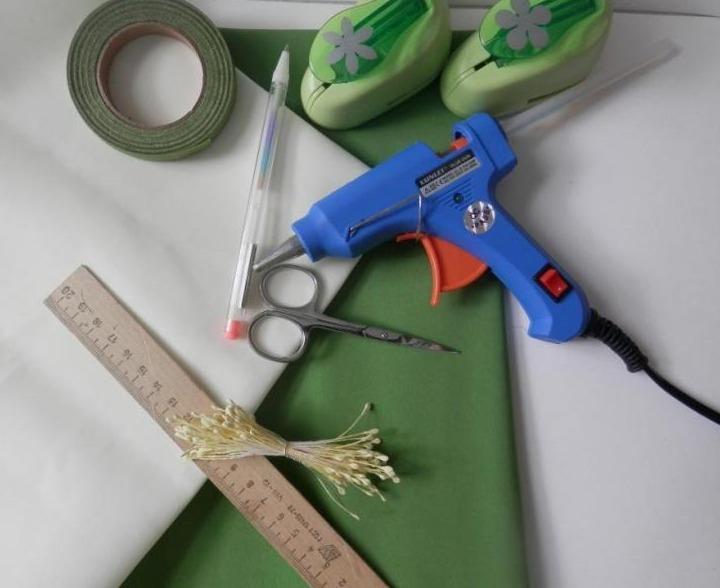 Создаем миниатюрные цветы из фоамирана