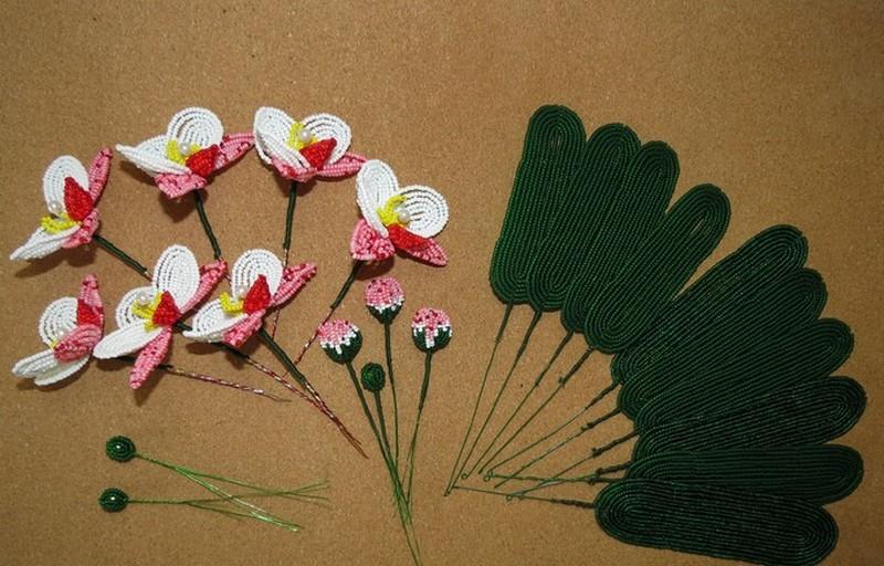орхидея из бисера (главный ключ)