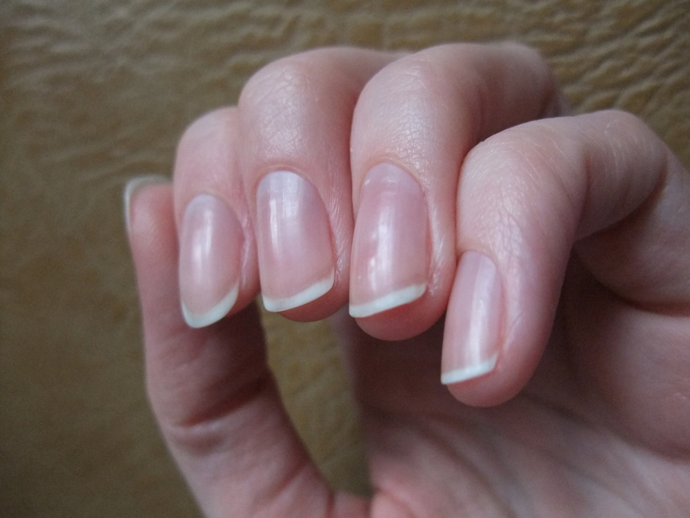 Полировка ногтей маслом