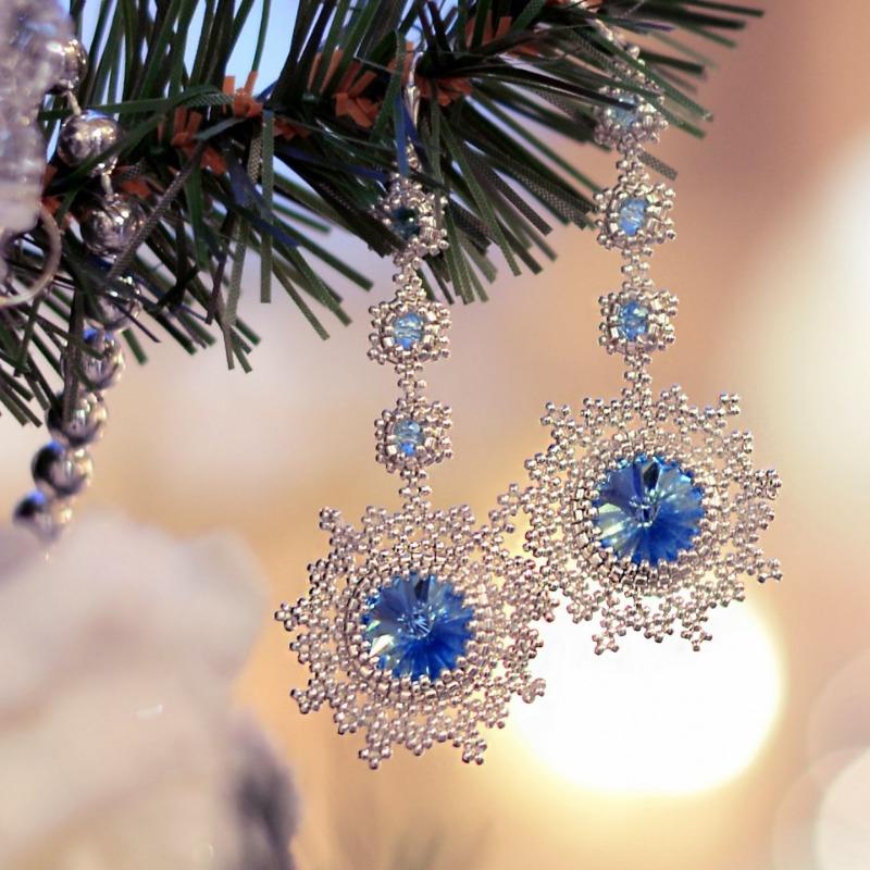 Galina Dietrih: Мастер класс: Снежинки из бисера с кристаллами Сваровски