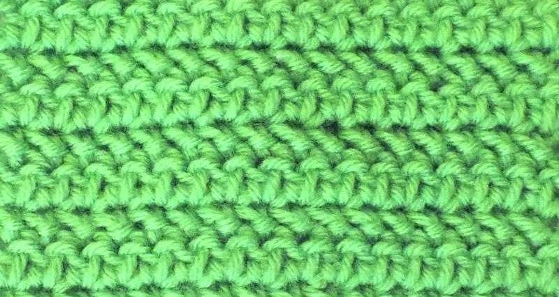 Полустолбик с накидом крючком – новый способ вязания