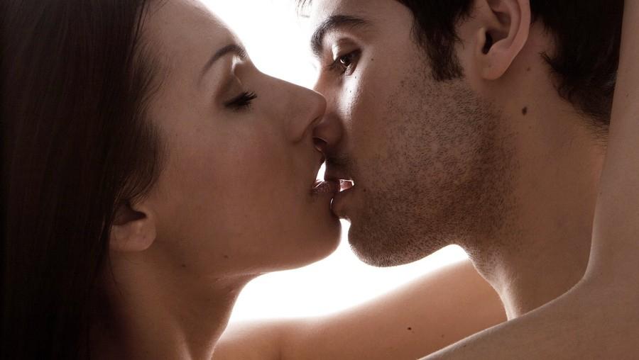 страстный поцелуй с языком (главный ключ)