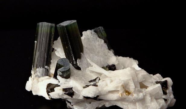 Камень Турмалин, свойства магические лечебные по знаку зодиака ...