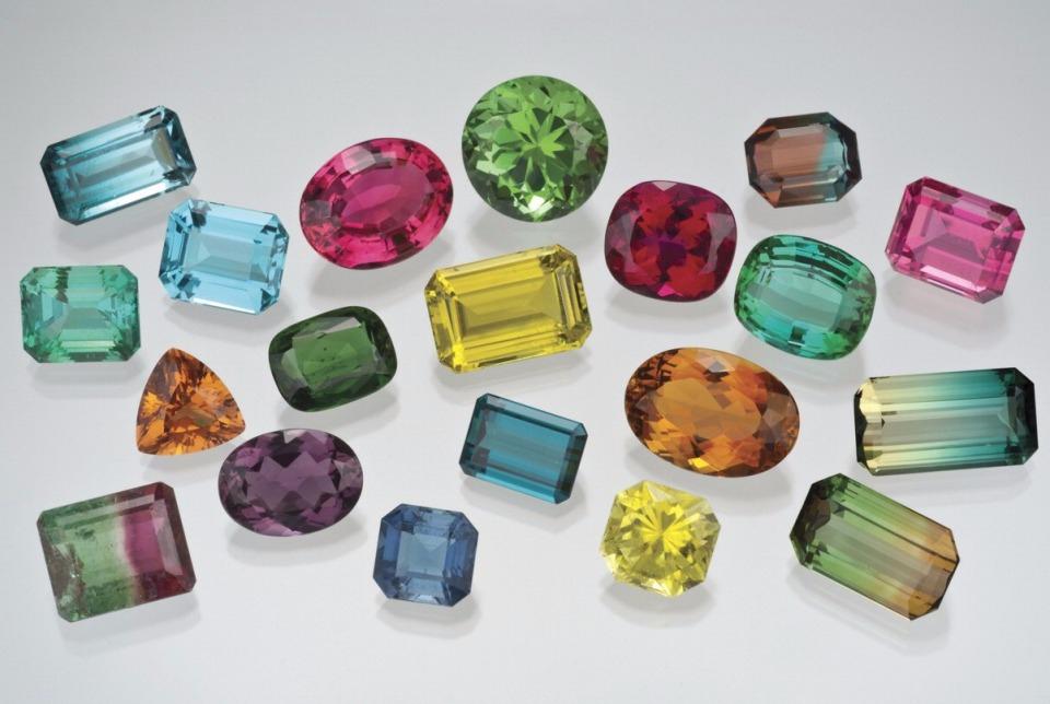 Турмалин — все о камне, фото, свойства, месторождения, кому подходит ...